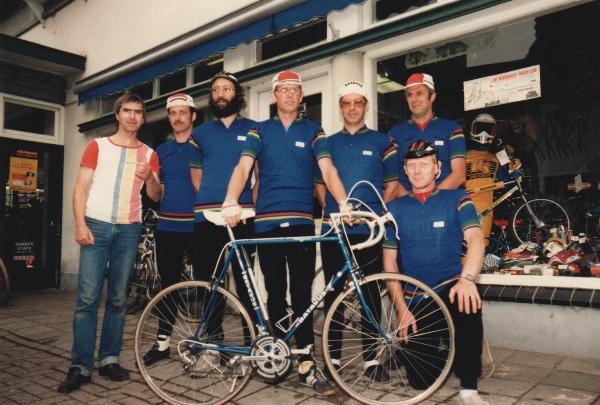 Groep Gasparkronde deelnemers bij Arnold van Eijden voor de deur