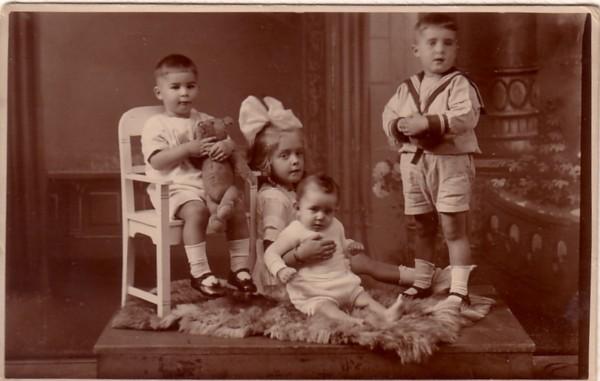 Egbert, Johanna Anthonia, Ludovicus Louis en Gerardus van Paridon