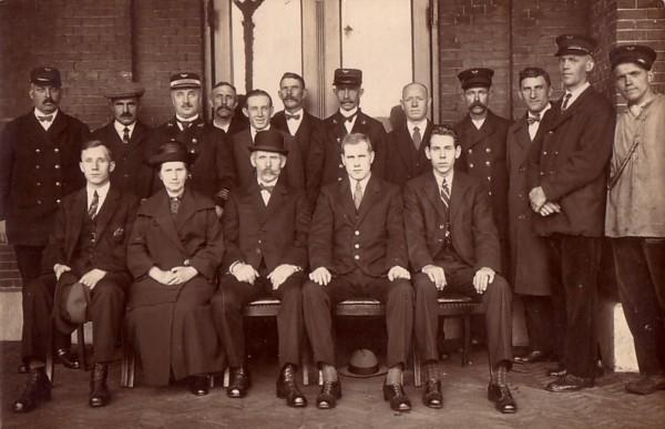 Hendrikus van Kesteren met gezin