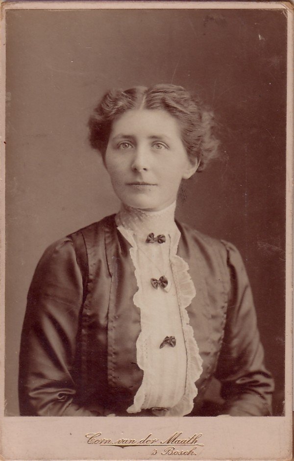 Louise Maria Johanna van Dijk