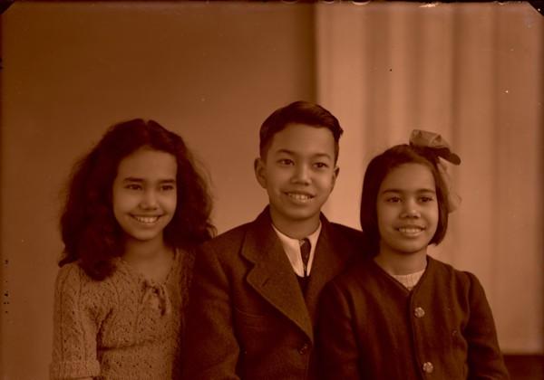 Bender Indische familie, 3 kinderen
