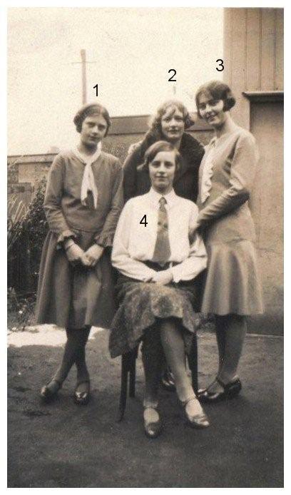 Wilhelmina, Cornelia Helena, Johanna Elisabeth Francisca en Elisabeth Scheel