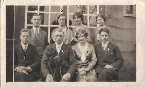 Antonius Scheel met een aantal van zijn kinderen