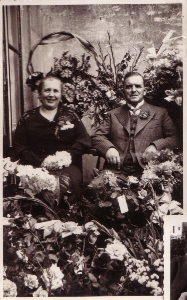 Foto  Maria Louisa Adriana van Dijk en Pieter van Paridon 25 jarig huwelijk