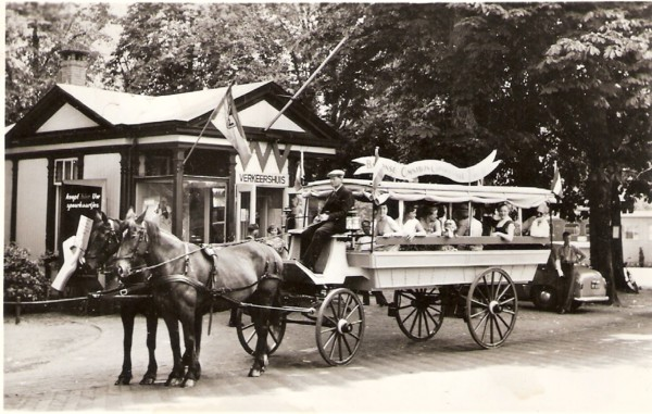Baarnse Omnibus Companie, Stationsplein Baarn