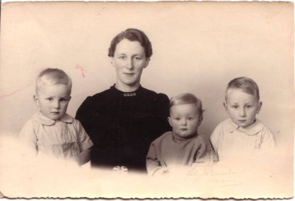 Albert Gerrit Lankhorst, Alberta van der Schagt, Teuntje Lankhorst en Pieter Lankhorst
