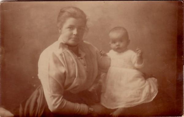 Anthonia Heemskerk met kind.