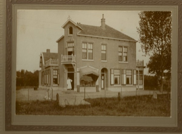 Bakkerij Van Manen, Eperweg, Nunspeet, ontwerp van Herman Onvlee