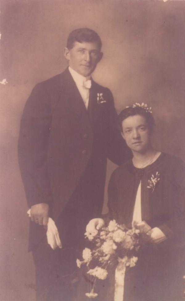 Johannes van Oostrum en Froukje Ypma trouwfoto