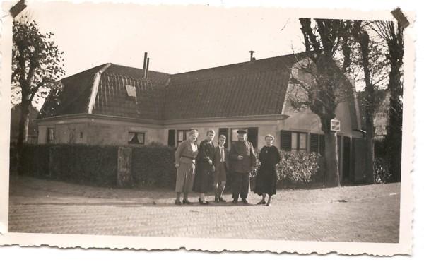 Willemijntje en Barbara van Oostrum, Johan Zalm, Peter en Jannetje van Oostrum
