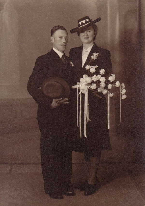 Hendrikus Altena en Antonia Gerritse trouwfoto