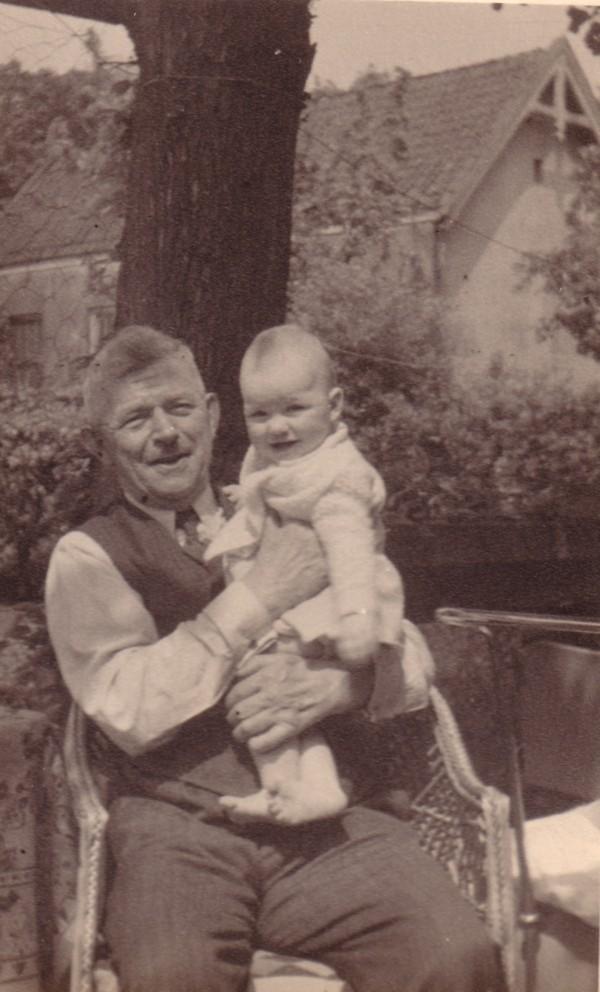 Johannes Petrus Piek met onbekend kindje