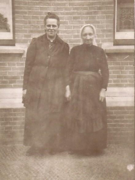 Hermina Maria van Kesteren en Anna Catharina Elisabeth Garnjobst