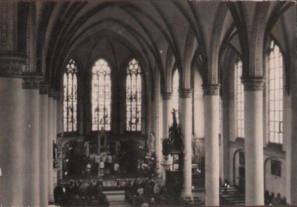 Foto  Interieur R.K. Nicolaaskerk aan de Kerkstraat in Baarn