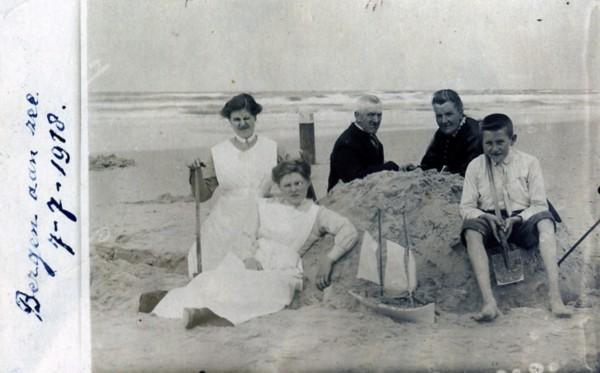 Hendrik van den Brakel en Aaltje van Velzen met kinderen