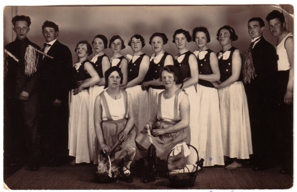 Foto  Vereniging in Baarn die ritmische gymnastiek beoefende