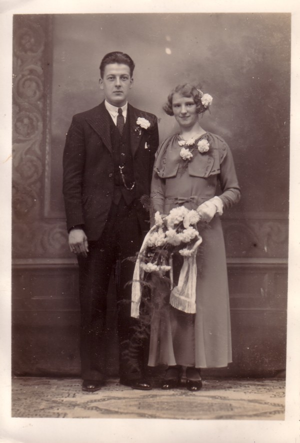 Foto  Hendrik van Essen en Bertha Ravenhorst trouwfoto