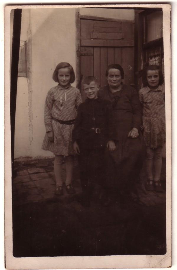 Wilhelmina Breunesse, Dirk Breunesse, Wilhelmina van de Meent en Maagje Breunesse