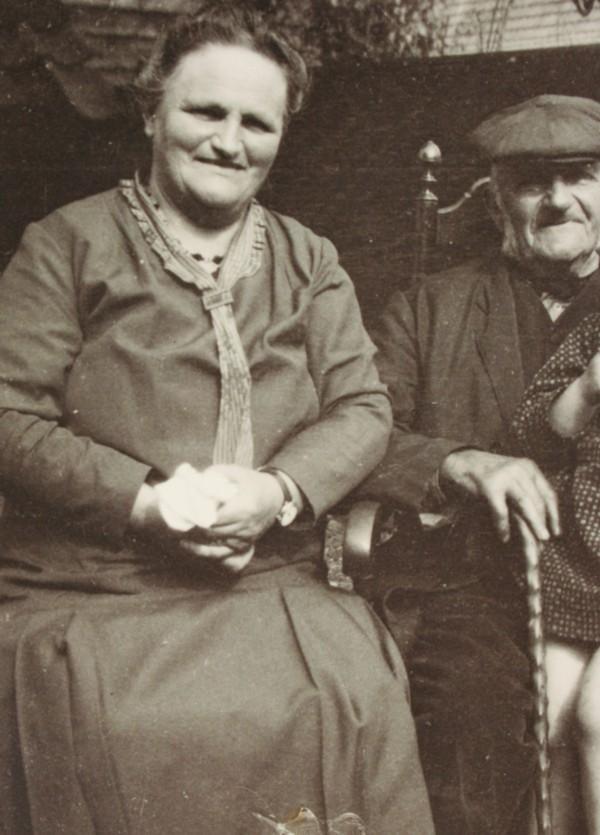 Henriëtte Maria Hornsveld met haar vader Nicolaas Hornsveld