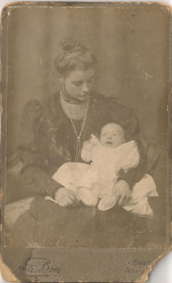 Jannetje Koelewijn en dochter Lisetta Josepha de Ruiter