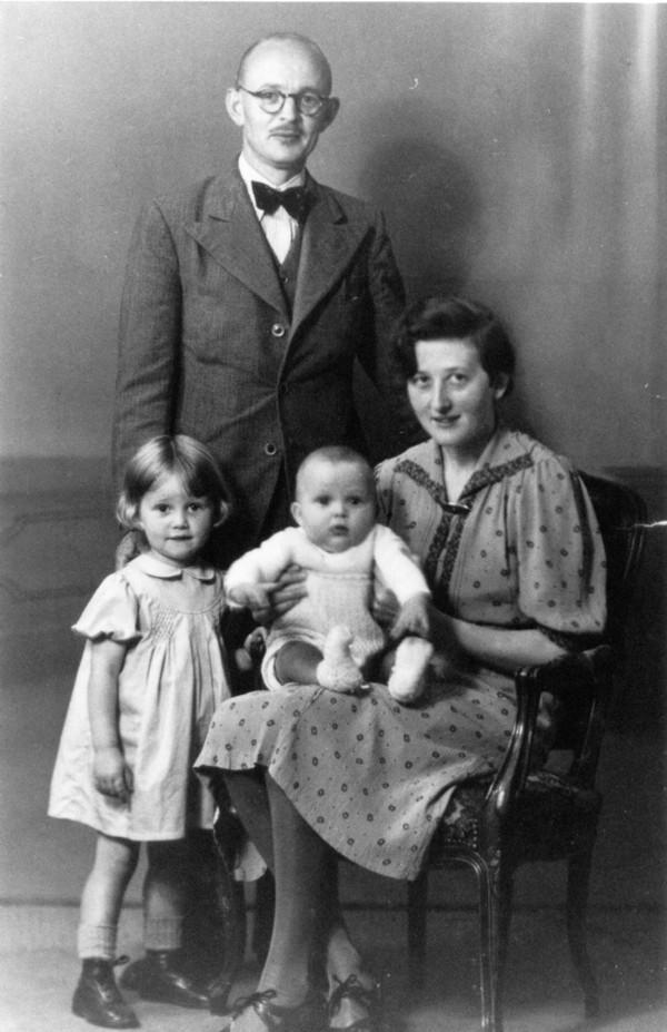 Gezin Hendrik Jacobus Tempelman en Geertruida Christina Elisabeth Koops