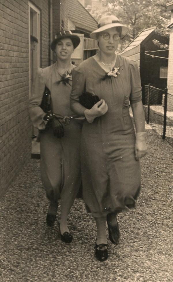 Bertha Neeltje Kersten (waarschijnlijk) en Janna van der Pol