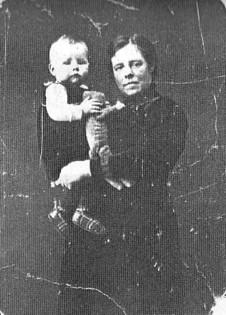 Wilhelmina Lagemaat met onbekend kind