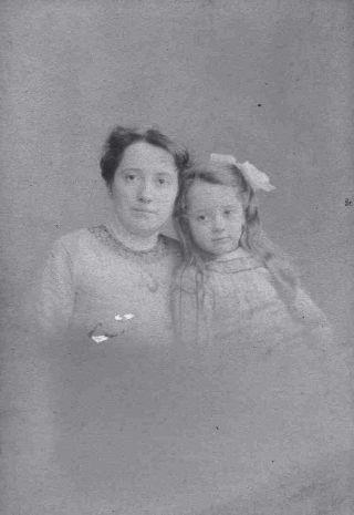 Zwaantje Weers en Jeanne Terwee