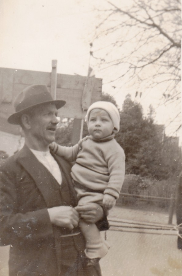 Teunis Ravenhorst met onbekend kind