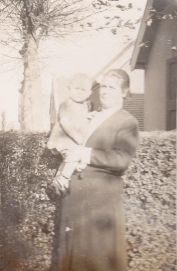 Marianne Antonette Limper met dochter Lisetta Josepha Buitenhuis