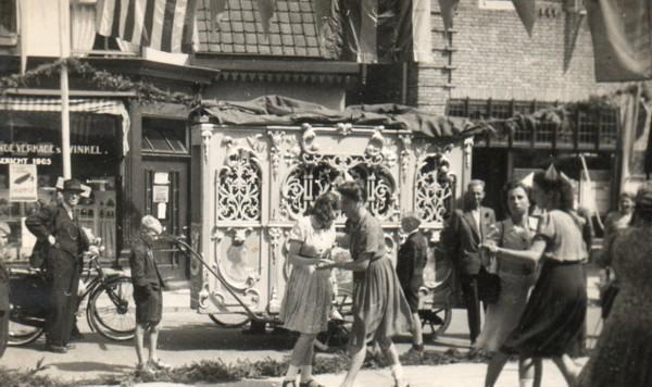Straatfeest in de Laanstraat Baarn