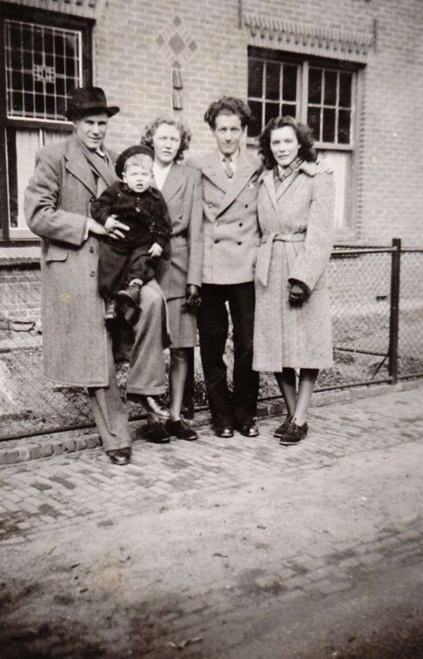 Jan Spleet, Nn, Marianna Antonetta Ravenhorst, Jozef Smit en Willy Ravenhorst