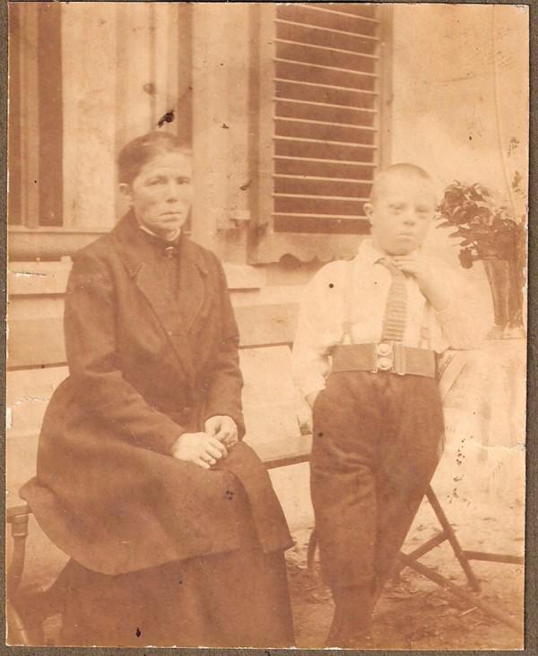 Hendrika Florijn en zoon Elbert Dijs