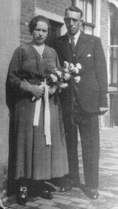 Aaltje Mol en Evert Willem van Ginkel trouwfoto