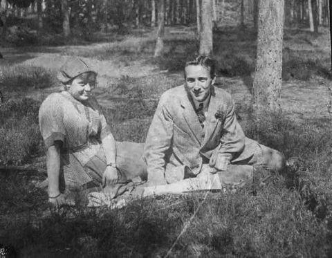 Foto  Jeanne Terwee en vermoedelijk verloofde(?) André van Hall