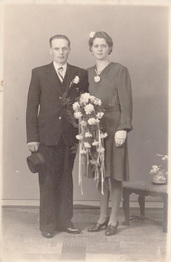 Jan Kooij en Peetje van Egdom trouwfoto