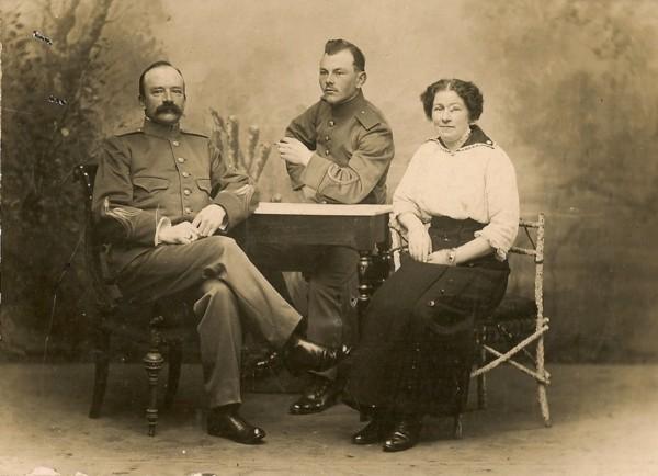 Jan Berend Uiterwijk, Jan Teunis Uiterwijk en Teuntje Hendrica Dank