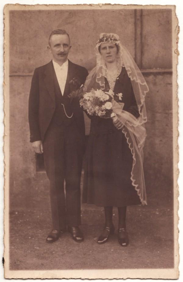 Richardus Johannes van Hagen en Maria Frieda Luise Abels trouwfoto.
