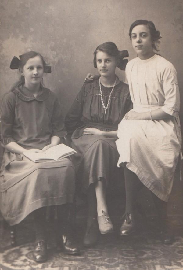 Hermina Maria van de Meent, Aaltje Clasina Geijsendorpher en Janna van de Hoef
