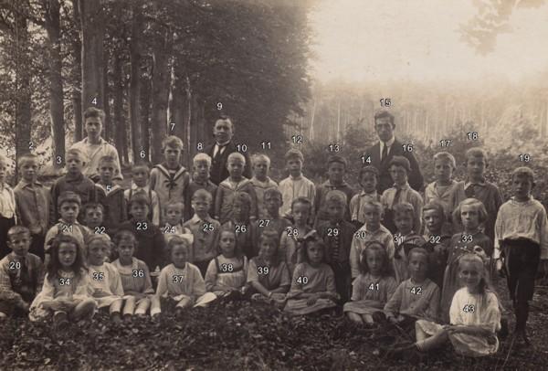 Hervormde School aan de Spoorstraat in Baarn