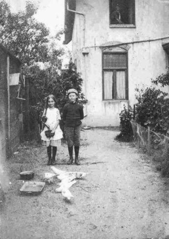 Thomas Henricus MarieTerwee met onbekend meisje