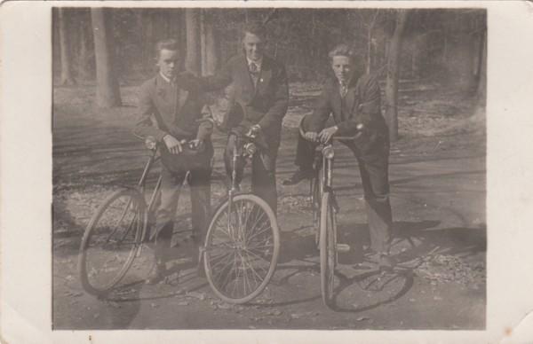 Foto  G. Franken, Johannes Gerrit van de Pol en W. Roos