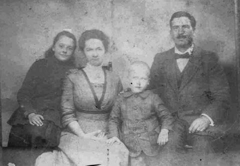Echtpaar Terwee-Van Heel met kinderen