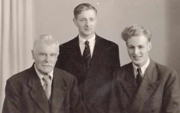 Foto  Drie generaties Nicolaas Hendrik Limper