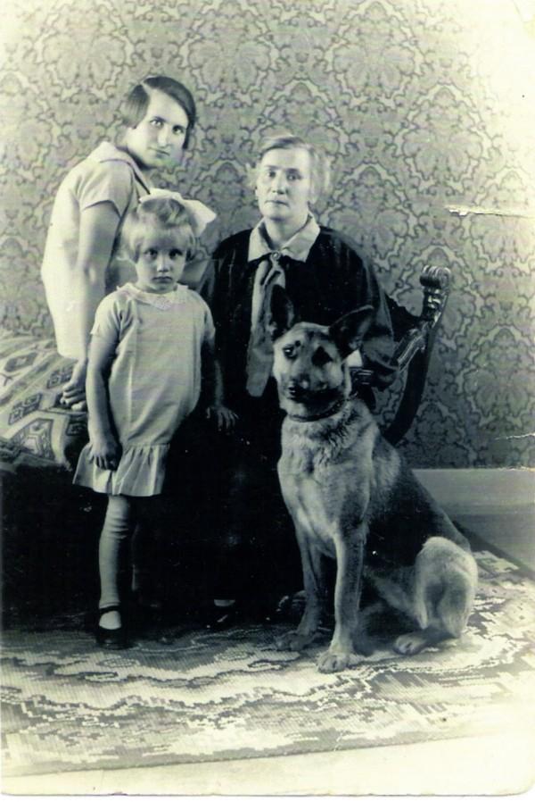 Catharina Wilhelmina Schröder, Adriana Wilhelmina Catharina Kroos en Geertruida Catharina W. Bakker