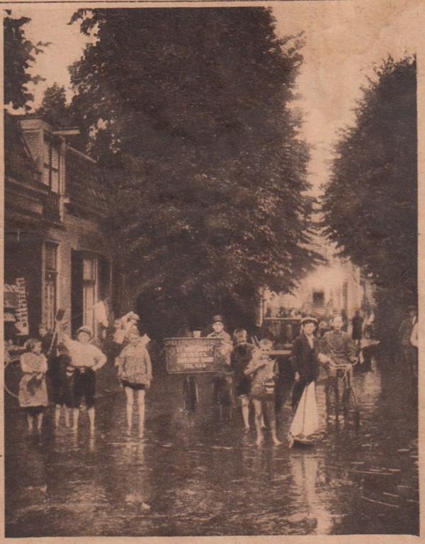 Foto  Wateroverlast in Baarn in 1918
