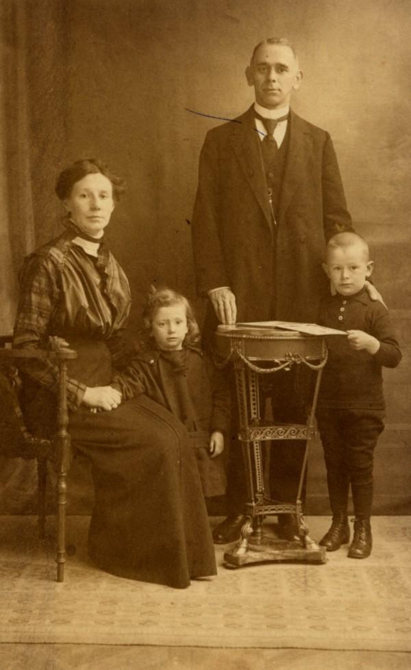 Dina Stein, Helena Vermaat Johan Gerrit Hendrik Vermaat en Jan Andre Johan Vermaat