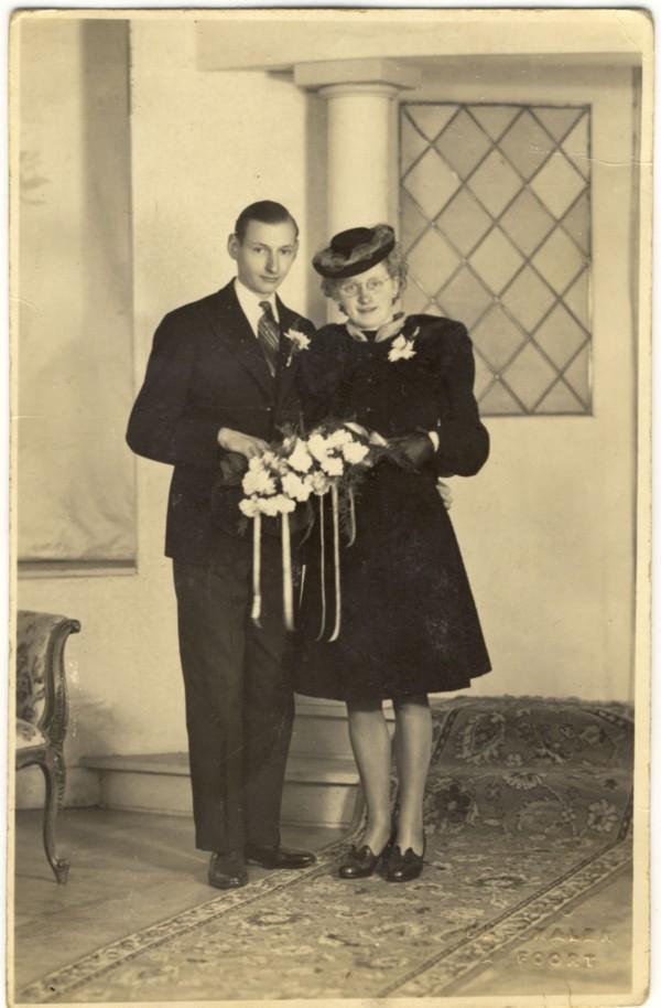 Hendrikus Leonardus Wijnand Krijnen en Aafje Gijsberta Schoonderbeek trouwfoto
