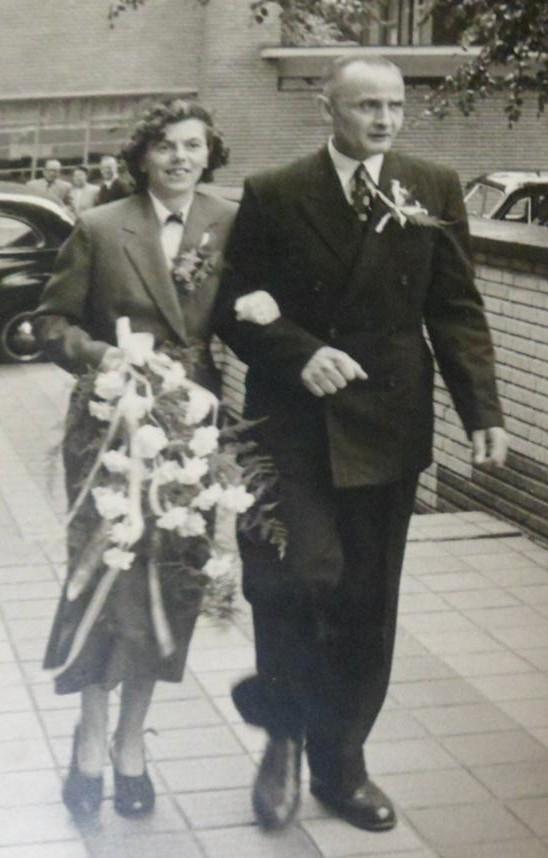 Henriette Wilhelmina de Brij en Gerrit Versteeg trouwfoto