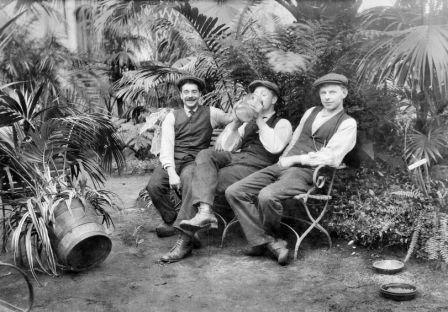 Carel Gustaaf Werner, Gerrit Smit en Johannes Hornsveld, tuinlieden in het Cantonspark